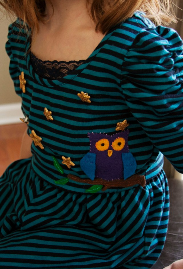Dress with owl and stars